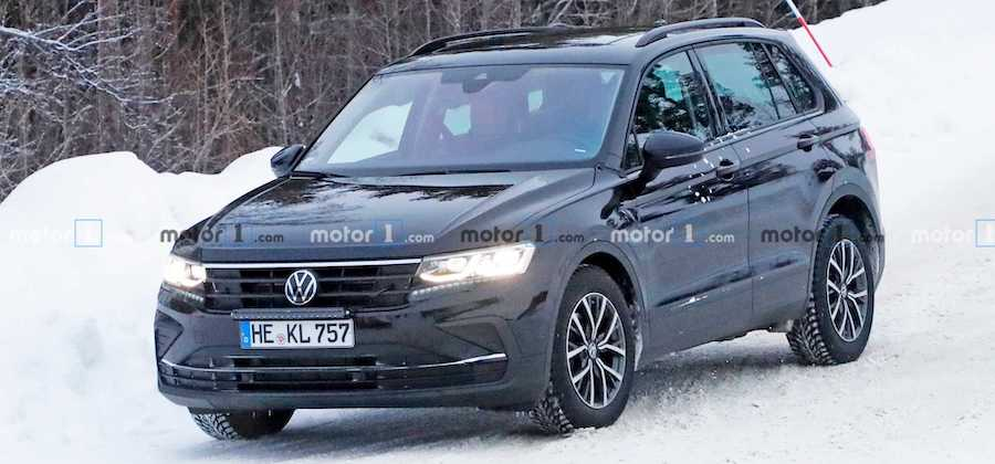 2021 VW Tiguan Facelift Spotted With Golf-Like Headlights