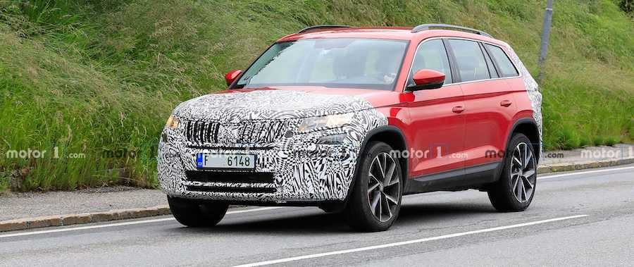 2021 Skoda Kodiaq RS Facelift Spied Testing Alongside Standard Model
