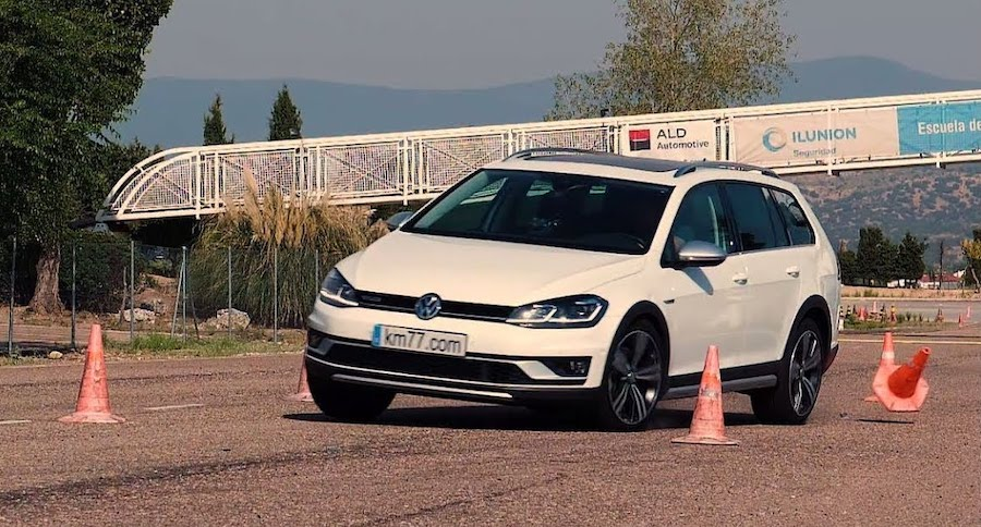 How Does The New VW Golf Fare In The Dreaded Moose Test?